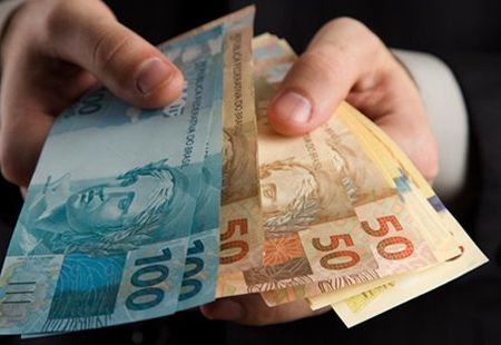 Bancos reduzem taxas para compra de imóveis nesta segunda